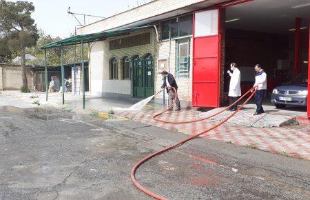 آغازطرح شستشوی معابر پر تردد در محوطه شرکت حمل و نقل خلیج فارس